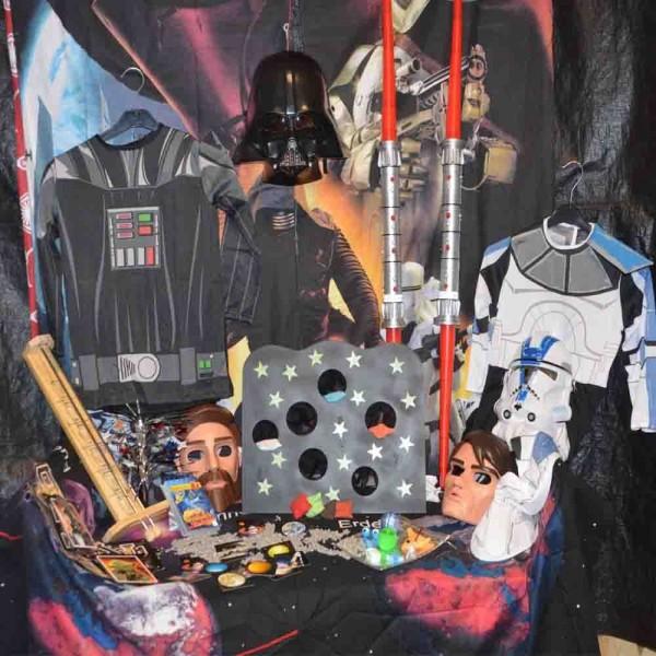 Weltraum-Verleihkiste mit Star Wars Kostümen