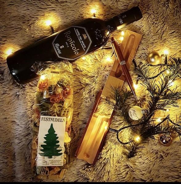 Geschenkset Weihnachten mit Wein, Nudeln und Kugelschreiber in Holzetui